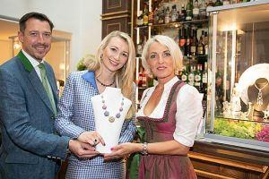 """Knauf Jewels & Friends Cocktail Prolongé"" im exklusiven Pop-Up Store @ Hotel Goldener Hirsch"